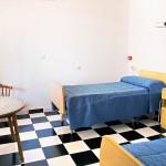 Centro de mayores La Magdalena - dormitorio luminoso
